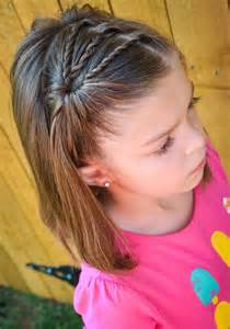Sweet twisted hair style for little girls