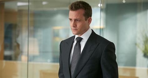 suites review suits throws status quo out the window in season