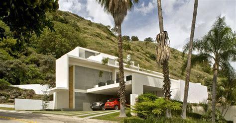 mountain house by agraz arquitectos housevariety