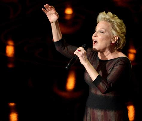bette midler filme bette midler almost snubbed wind beneath my wings