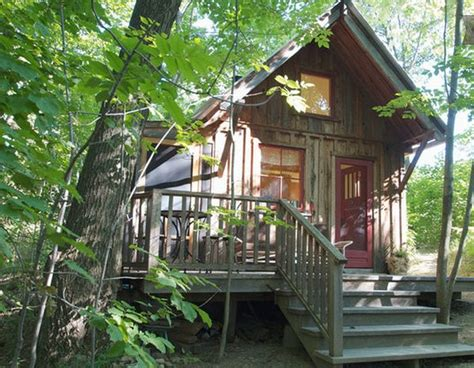 houses for rent nyc 11 tiny homes you can rent for a holiday getaway treehugger