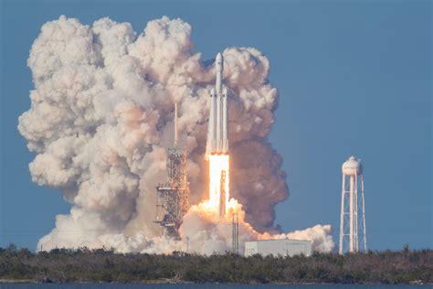 Raket El Nino 07 zo zag de succesvolle lancering de krachtigste raket