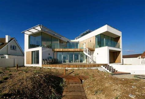 modern beach house modern beach house in east sussex with glass and timber