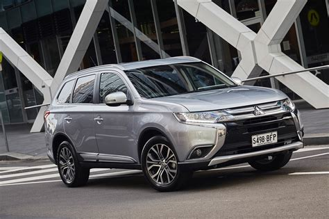 mitsubishi outlander 2016 review 2016 mitsubishi outlander review caradvice