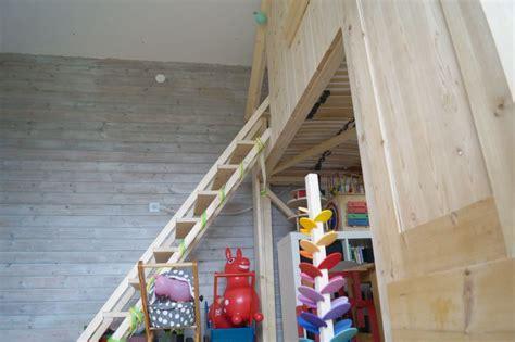 hochbett treppe selber bauen ein bett bauen f 252 rs kinderzimmer schwesternliebe wir