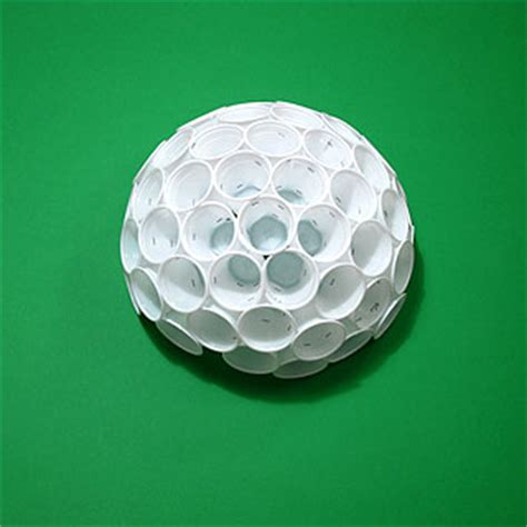 palla di bicchieri di plastica il problema di tammes e le sfere di bicchieri