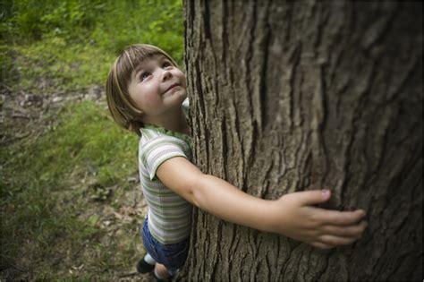 8 ways to nurture your children s connection to nature