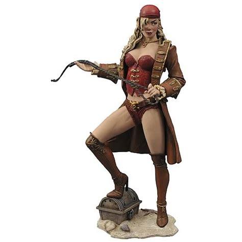 Femme Fatales Anne Bonny Statue Diamond Select Pirates Statues At Entertainment Earth