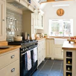 Kitchen Cabinets Country Style 25 Best Ideas About Country Style Kitchens On Country Kitchen Layouts Country