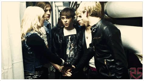 videos entertainment fashion music and celebrity news ready set rock r5 memes