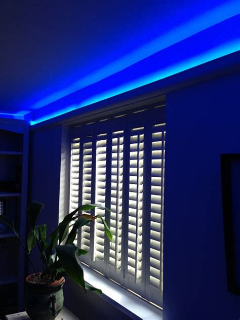 how to use led strip lights what is feature lighting how to highlight using led strips