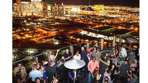 Roof Top Bars Vegas by Moon Rooftop Bar In Las Vegas Therooftopguide