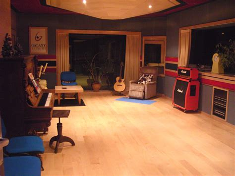 free live room kees hendrickx recording artist sound engineer producer content creator studio cork