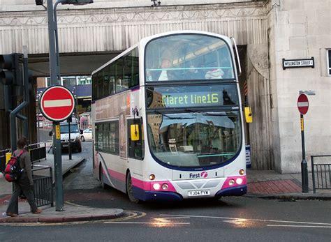 bus  coach  leeds claret    double deck bus