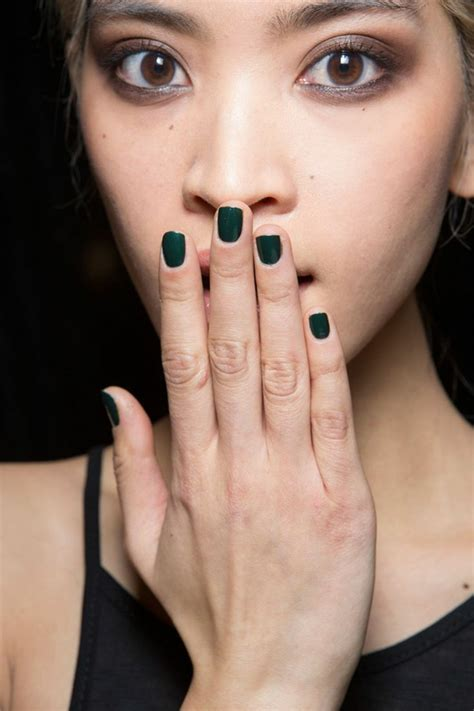 Aktuelle Trends Nägel by Moderne Damenfrisuren Und Make Up Bringen Die Nat 252 Rliche