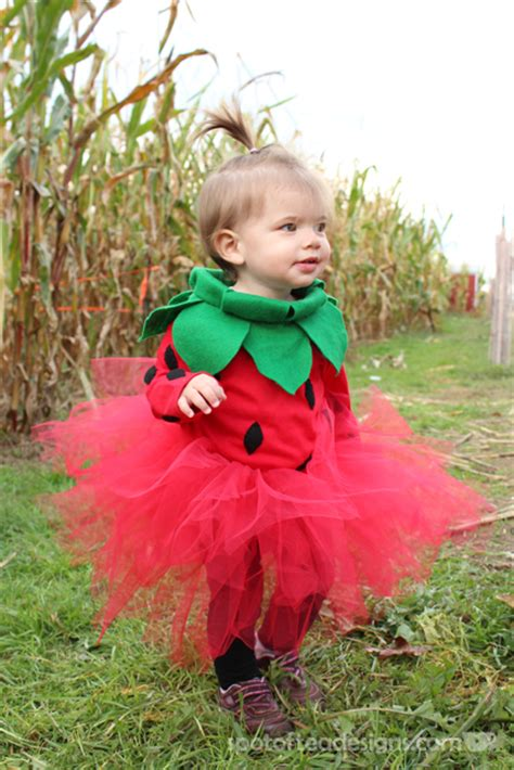 Theeffortlesschic 11 bold and cute diy halloween costumes for girls