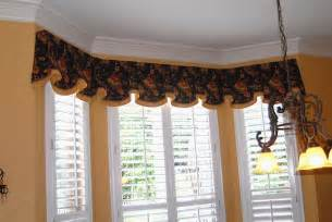 Bow Window Curtain Ideas pictures