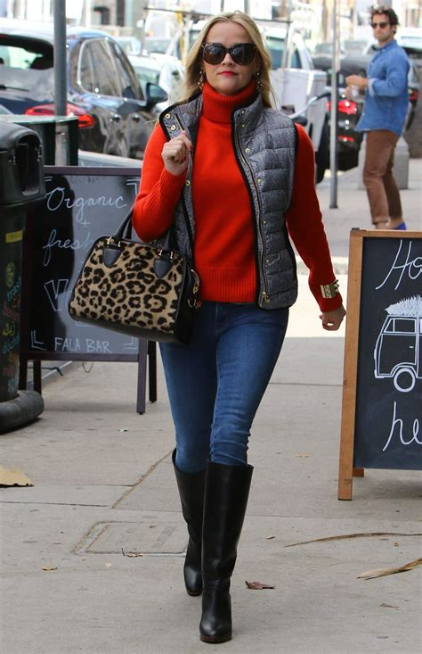 Spotted Shopping Cameron Reese And More by Reese Witherspoon Spotted Shopping For The Holidays In