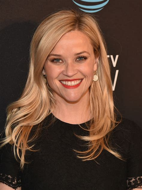 Reese Witherspoon Hairstyles by Reese Witherspoon Wavy Cut Hairstyles Lookbook