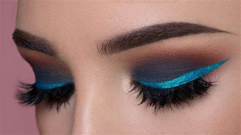 Eyeliner Make Up gray smokey eye shimmery blue eyeliner makeup