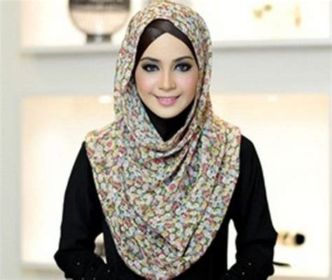 dresses coats scarves  hijabs  inspired