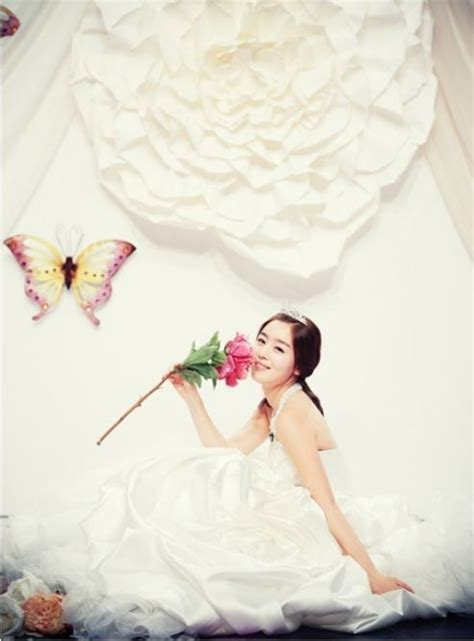 Wedding Dress Kpop by Wedding Bells Are Ringing And Wedding Dresses