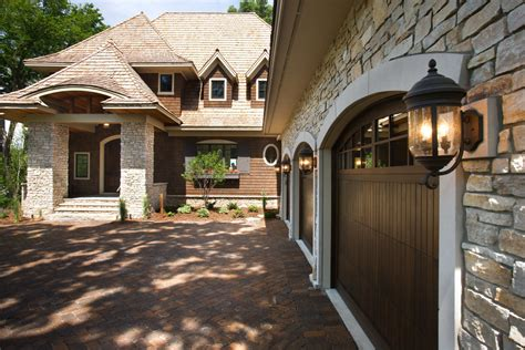 give your garage a inspection here are 7 maintenance