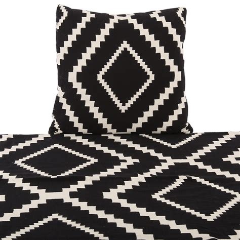 decke schwarz decke schwarz wei 223 plaid wei 223 schwarz gr 246 223 e 55 x 55 cm
