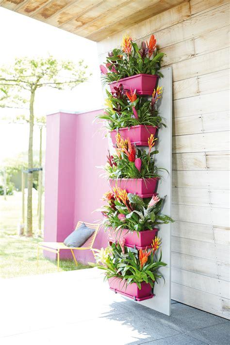 Jar Vertical Garden 20 Vertical Garden Ideas That Look Absolutely Beautiful