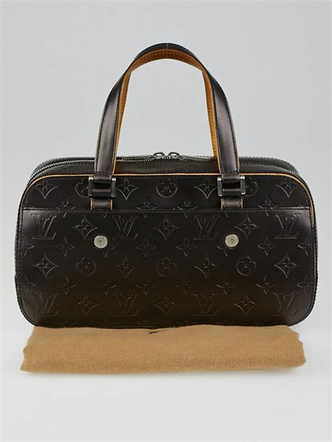 louis vuitton black monogram mat shelton bag yoogis closet
