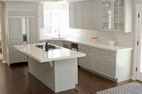 White Kitchen Cabinets And White Countertops White Quartz Countertops White Kitchens With Quartz Countertops Kitchen With White Quartz
