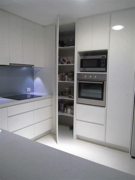 Modern Glossy Solid Wood Floor To Ceiling Corner Pantry In