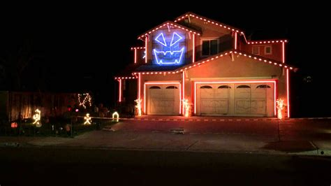 Quot Thriller Quot Halloween House Light Show 2014 Youtube Light On Houses