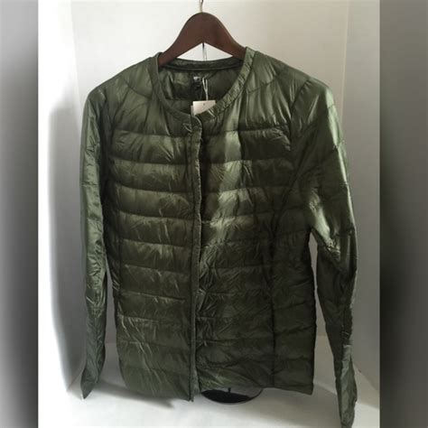 Uniqlo Parachute Jacket Green Size L 42 uniqlo jackets blazers new uniqlo ultra light size l from rp789 s closet