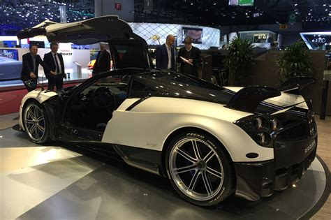 pagani back pagani huayra bc 2016 revealed pagani tears down the