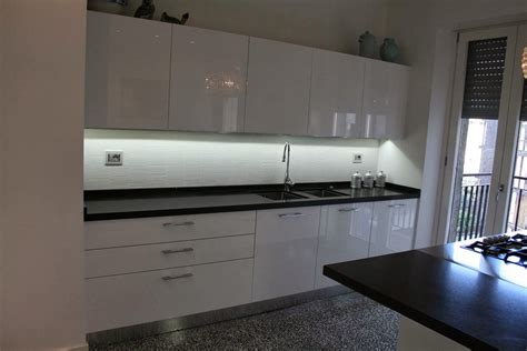 illuminazione pensili cucina led pensili cucina home design ideas home design ideas