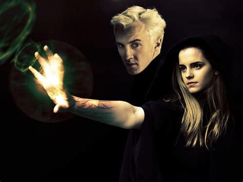 Hermione Granger Et Drago Malefoy by Draco And Hermione Dramione Wallpaper 10017365 Fanpop