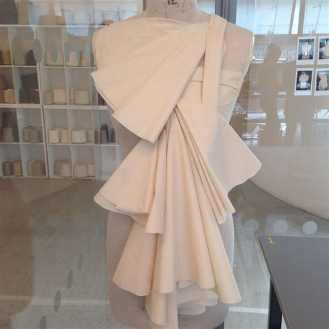 draping and patternmaking for fashion design angular pleating and layering draping on mannequin
