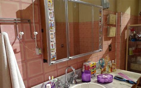 como decorar um apartamento alugado pouco dinheiro mania de casa decora 231 227 o 4 dicas para renovar o banheiro
