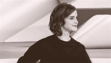 hermione granger in the 1st movoe emma watson gif tumblr