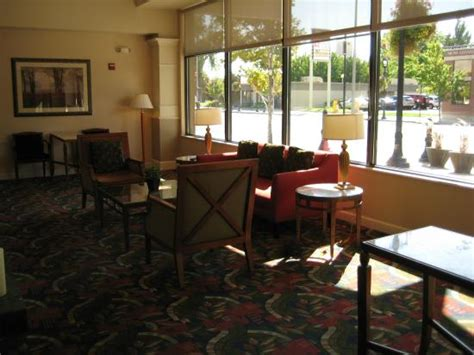 Garden Inn Yakima by Lobby Seating Area Picture Of Garden Inn Yakima