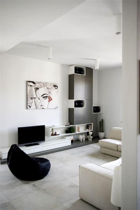 minimal interiors appartement moderne pour un jeune couple en italie