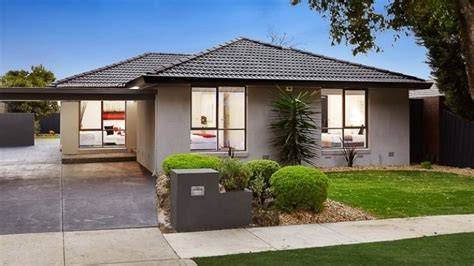 buying a house melbourne buying a house in melbourne suburbs threatening to hit 1