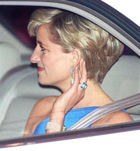 Diana Princes Set princess diana the ring is in an deco style set with