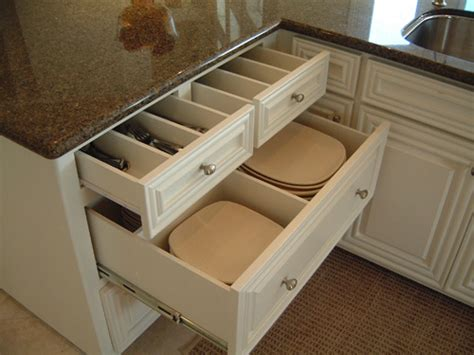 Kitchen Drawer Plate Dividers by Kitchen Pantry On Pantry Kitchens And Cabinets