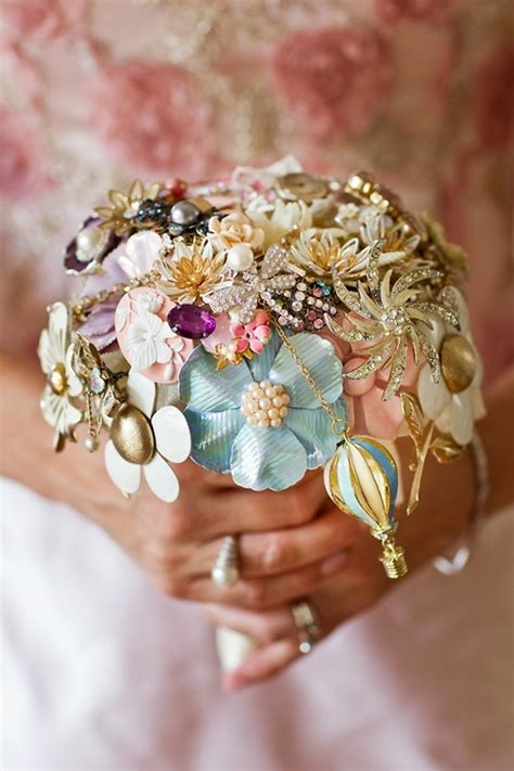 Wedding Bouquet Vintage Brooches by 10 Creative Beautiful Alternative Bridesmaid Bouquets
