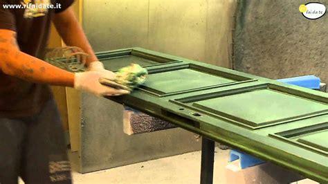 dipingere porte interne come verniciare le porte