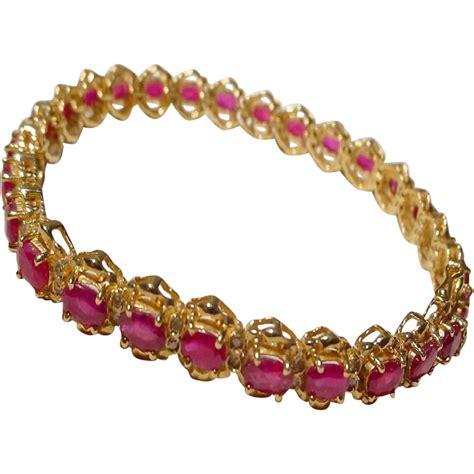 supper ruby bracelet w diamonds 14 kt y gold