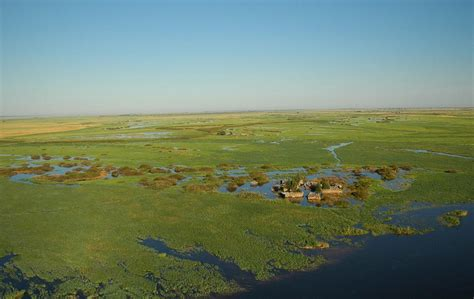 What Are Flood Plains | file village in caprivi flood plain jpg wikipedia