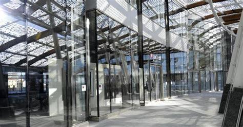 nuova sede unicredit un punto feltrinelli e una filiale innovativa all ingresso
